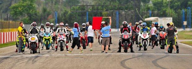 Λίγο πριν την εκκίνηση του red racebike το καλοκαίρι του '11